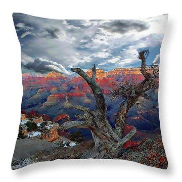 Yaki Point Grand Canyon Throw Pillow