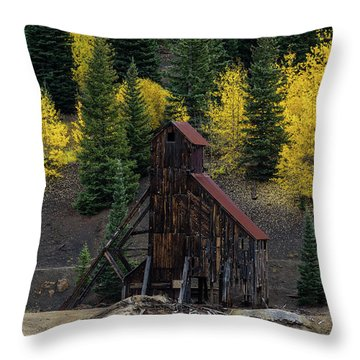 Yankee Girl Mine - 8764 Throw Pillow