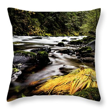 Yello Grass Throw Pillow