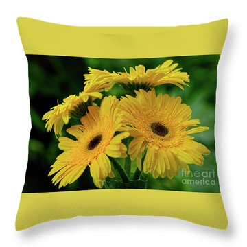 Throw Pillow featuring the photograph Yellow Chrysanthemums By Kaye Menner by Kaye Menner