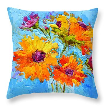 Yellow Daisies Flowers - Peonies In A Vase - Modern Impressionist Knife Palette Oil Painting Throw Pillow