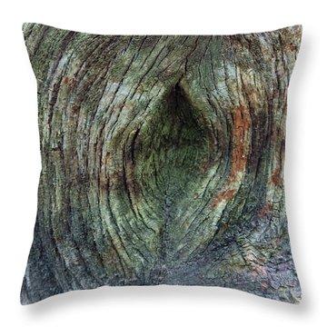 Yoni Au Naturel Une Throw Pillow