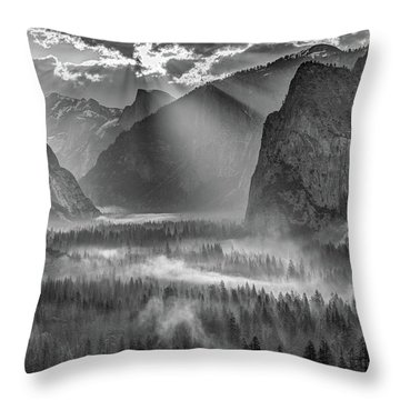Yosemite Morning Sun Rays Throw Pillow