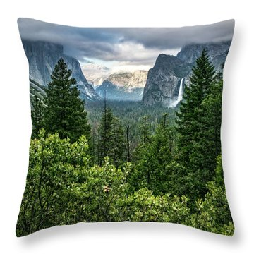 Last Light For Tunnel View Throw Pillow