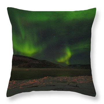 Throw Pillow featuring the photograph Yukon Northern Lights 5 by Phyllis Spoor