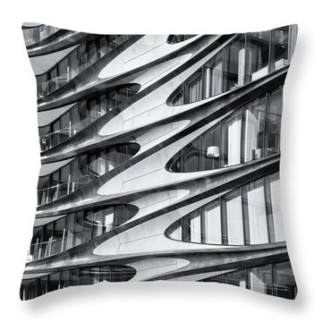 zaha hadid Architecture in NYC Throw Pillow