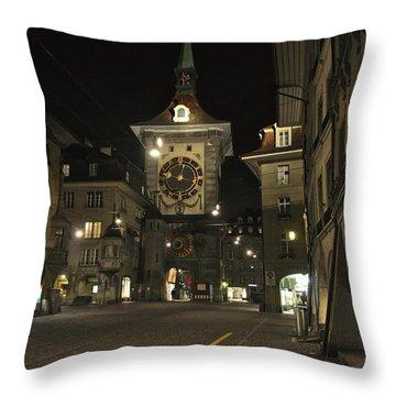 Zeitglockenturm Throw Pillow