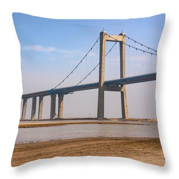 Zhengzhou Taohuayu Huanghe Bridge  Throw Pillow