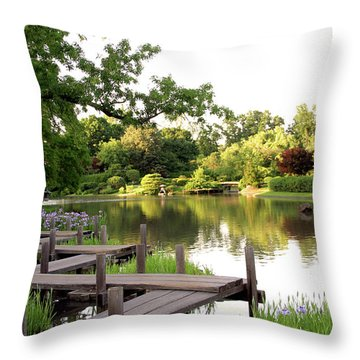 Zig Zag Bridge 2703 H_2 Throw Pillow