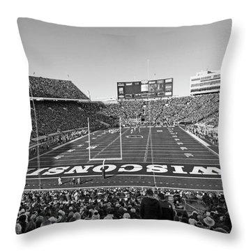 0095 Bw Camp Randall Stadium Throw Pillow