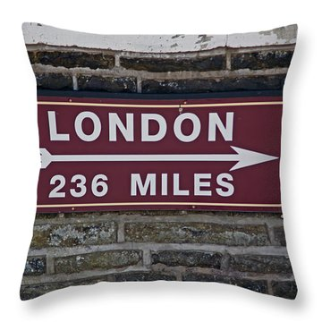 06/06/14 Settle. Station View. Destination Board. Throw Pillow