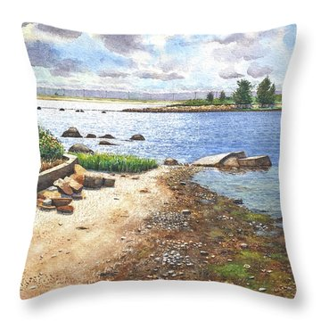 Crab Rock, Low Tide Throw Pillow