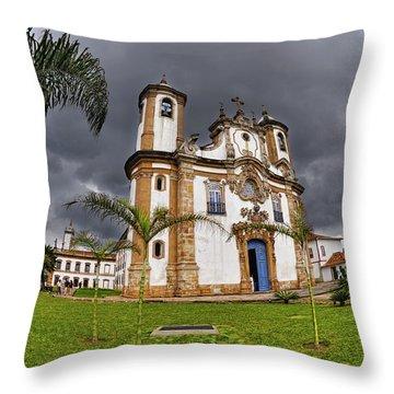 Minas Gerais Throw Pillows