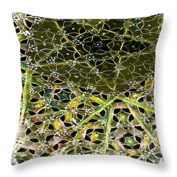 Tela Throw Pillow
