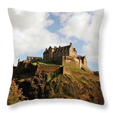 19/08/13 Edinburgh, The Castle. Throw Pillow