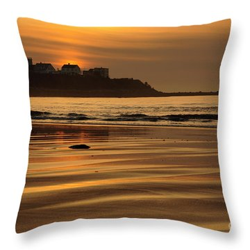 Hampton Beach, New Hampshire Throw Pillow
