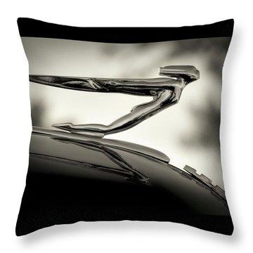 1936 Auburn 851 Sc Boattail Speedsterdster Hood Ornament Throw Pillow