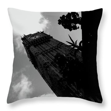 Throw Pillow featuring the photograph Big Ben by Edward Lee