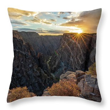 Black Canyon Sendoff Throw Pillow
