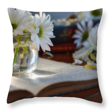 Bloom And Grow - Still Life Throw Pillow