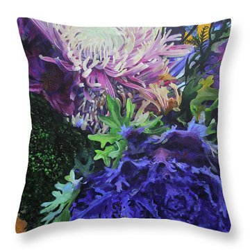 Bouquet 1 Throw Pillow