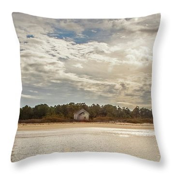 Cape Lookout Lighthouse No. 3 Throw Pillow