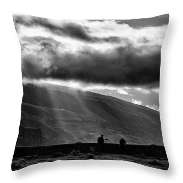Capturing Rowena Throw Pillow