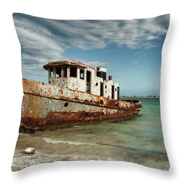 Caribbean Shipwreck 21002 Throw Pillow