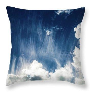 Cirrus Fibratus Throw Pillow