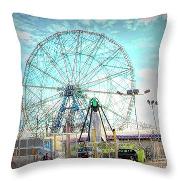 Coney Island Wonder Wheel Ny Throw Pillow