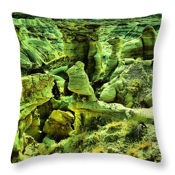 Crazy Bisti Badlands Rock Formation Throw Pillow