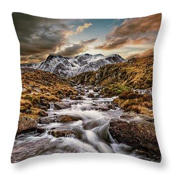 Cwm Idwal Snowdonia Sunset Throw Pillow