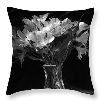 Dramatic Flowers-bw Throw Pillow
