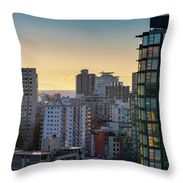 Throw Pillow featuring the photograph Dusky Hues Over The Pacific by Ross G Strachan
