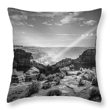 Eagle Rock, Grand Canyon In Black And White Throw Pillow