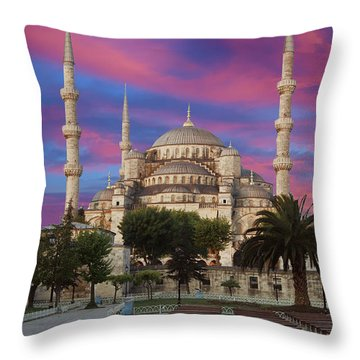 Early Morning Light On  Sultan Ahmet Camii Throw Pillow