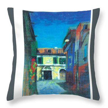 Edifici Throw Pillow