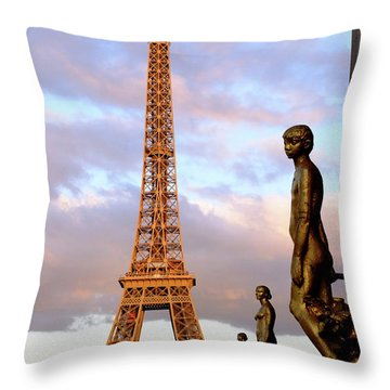 Eiffel Tower At Sunset Throw Pillow
