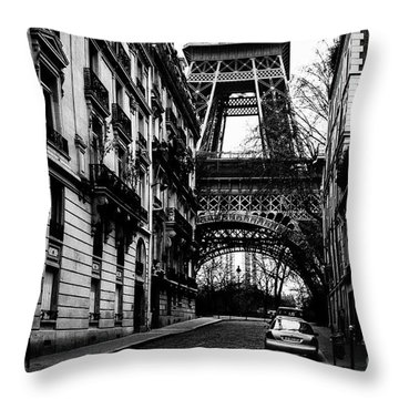 Eiffel Tower - Classic View Throw Pillow