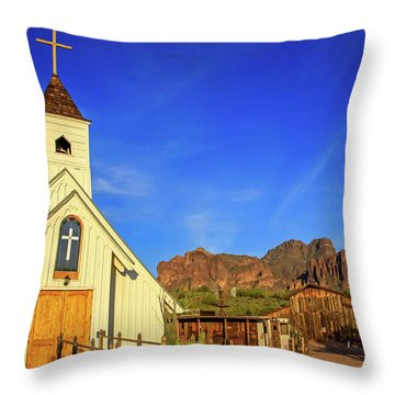 Elvis Chapel At Apacheland, Superstition Mountains Throw Pillow