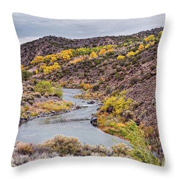 Fall Scene At Rio Grande Del Norte Near Embudo - Rio Arriba County New Mexico Land Of Enchantment Throw Pillow