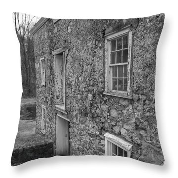 Fieldstone Workshop - Waterloo Village Throw Pillow