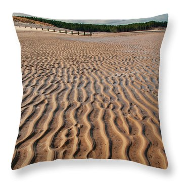 Findhorn Throw Pillow