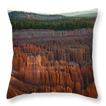 First Light On The Hoodoo Inspiration Point Bryce Canyon National Park Throw Pillow