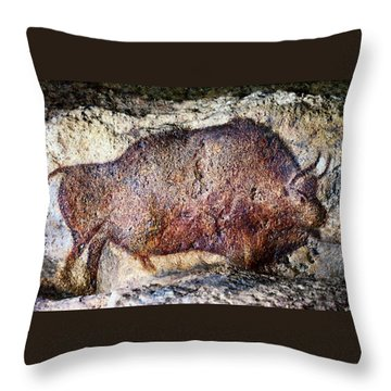 Font De Gaume Bison Throw Pillow
