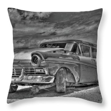 Ford Country Squire Wagon - Bw Throw Pillow