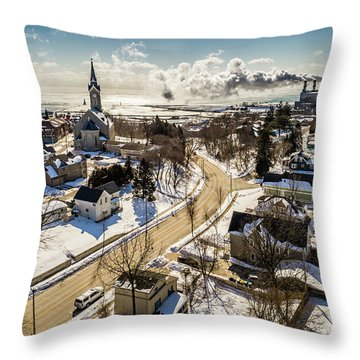 Freezing In Port Throw Pillow