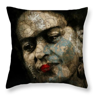 Frida Kahlo - Retro  Throw Pillow