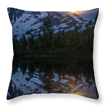 Full Moonrise Over Picture Lake Throw Pillow