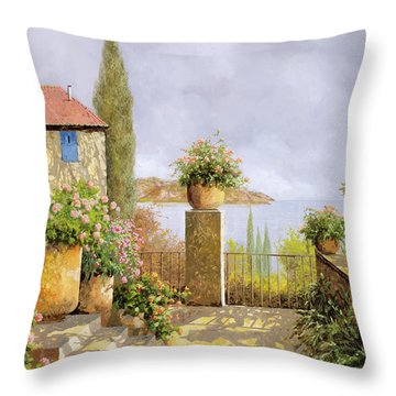 Giallo Morbido Throw Pillow